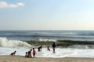 Top Ten Places to Learn to Surf on The East Coast
