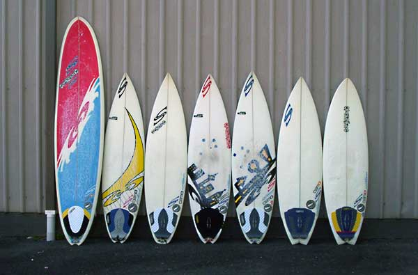 Custom Surfboards: Getting to Know Surfboard Resin